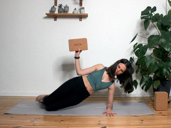 Yoga-mit-dem-Block-3