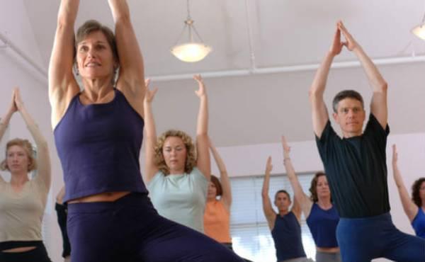 gruppe-macht-yoga