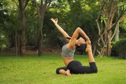 Baum-Yoga-Blog