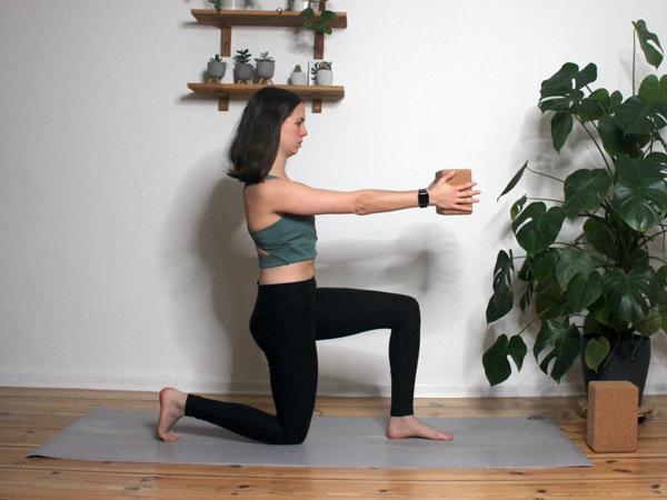 Yoga-mit-dem-Block-4