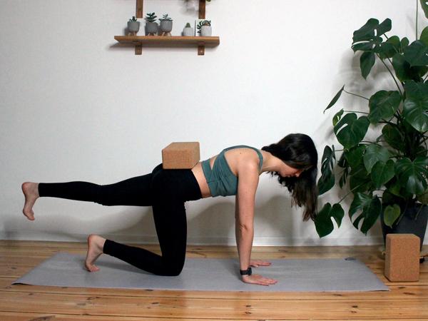 Yoga-mit-dem-Block-2